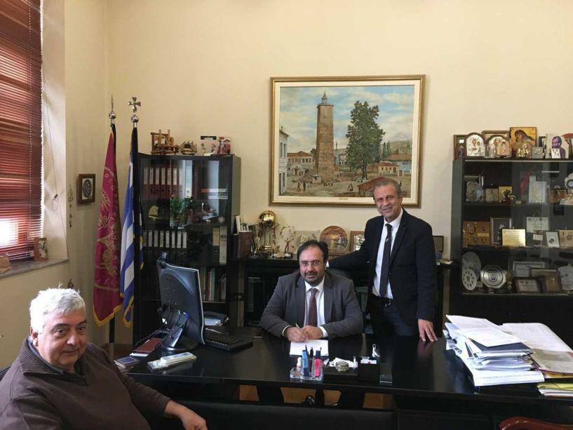 Συμβάσεις για έργα αγροτικής οδοποιίας στο Δήμο Βέροιας -  Ξεκινούν οι εργασίες σε Μακροχώρι- Ν. Νικομήδεια και Τρίλοφο