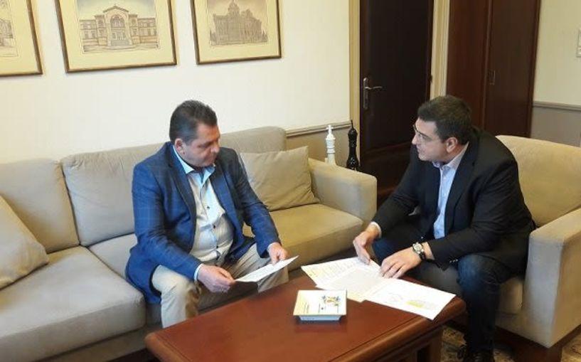 Οικονομική ενίσχυση επιχειρήσεων της Ημαθίας που επλήγησαν από τον κορονοϊό - Κ. Καλαϊτζίδης: «Παράδειγμα για όλη την Ελλάδα,  οι πρωτοβουλίες του Απόστολου Τζιτζικώστα»