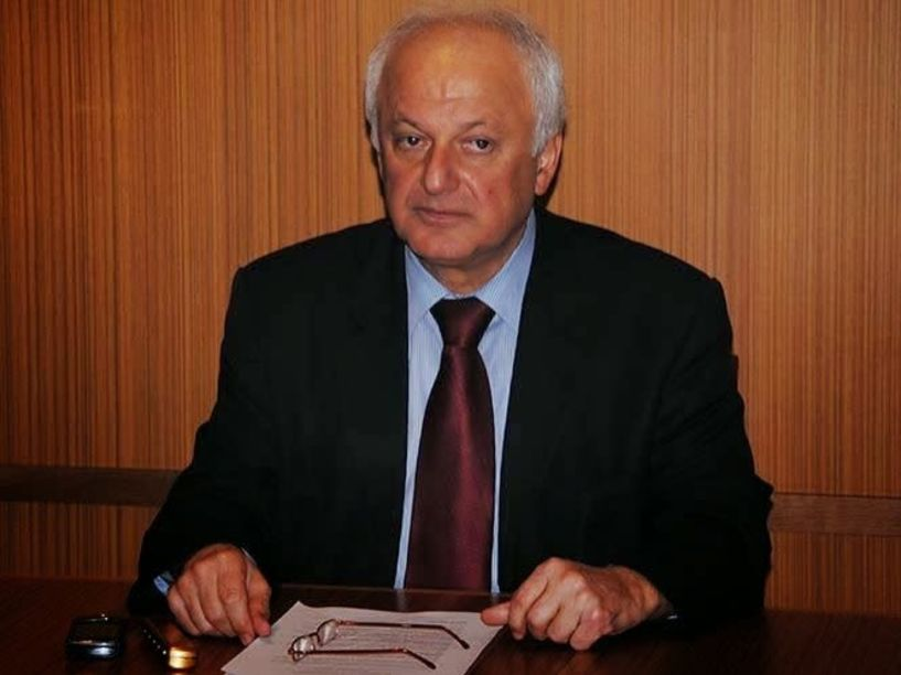 Ο Κ. Καραπαναγιωτίδης μιλάει για την παραίτησή του  τις απουσίες του από τις συνεδριάσεις,  την πολιτική του συνέχεια και τις σχέσεις με τη Ρωσία