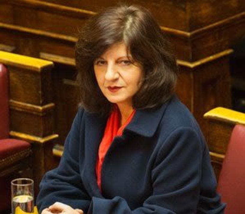 Φρόσω Καρασαρλίδου: Προσκλήσεις για τα ΠΣΕΑ 2014 και 2015