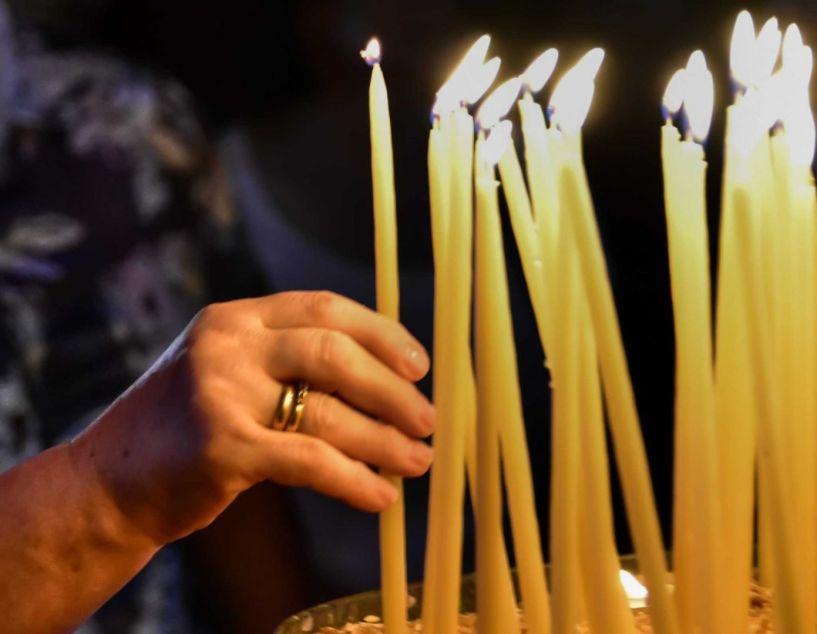 Η Διαρκής Ιερά Σύνοδος ζητά ανοιχτές εκκλησίες τα Χριστούγεννα!