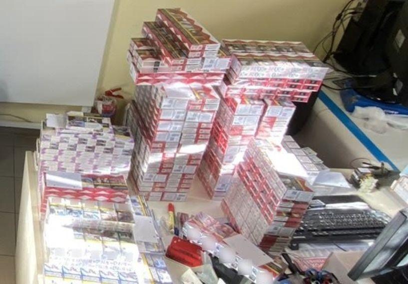 Συνελήφθη 51χρονος στην Ημαθία στο όχημα του οποίου εντοπίστηκαν πάνω από 2.400 κλεμμένα πακέτα τσιγάρων