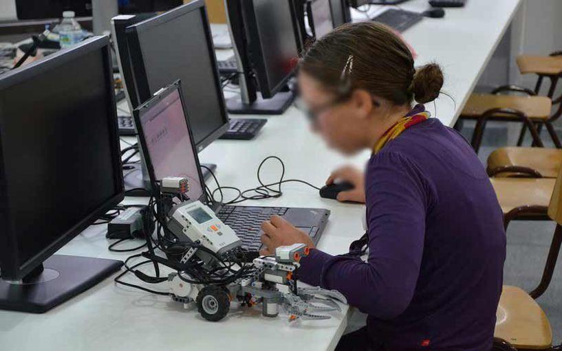 S.W.E.fLL : Πρόγραμμα Εκπαιδευτικής Ρομποτικής από το VeriaTechLab
