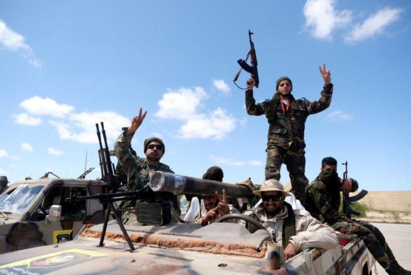 Λιβύη: Σε απόσταση αναπνοής από το κέντρο της Τρίπολης οι δυνάμεις του Χάφταρ
