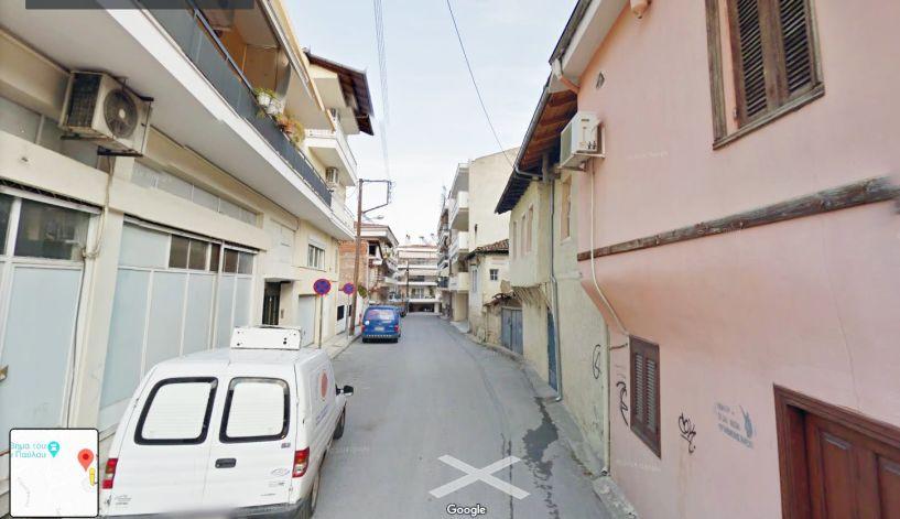 Βέροια: Διαρρήκτες με βαριοπούλες έριξαν θωρακισμένη πόρτα διαμερίσματος στο Τσερμένι