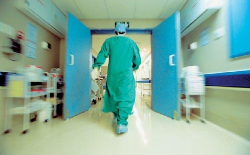 Συνελήφθη γιατρός για «φακελάκι» στη Θεσσαλονίκη