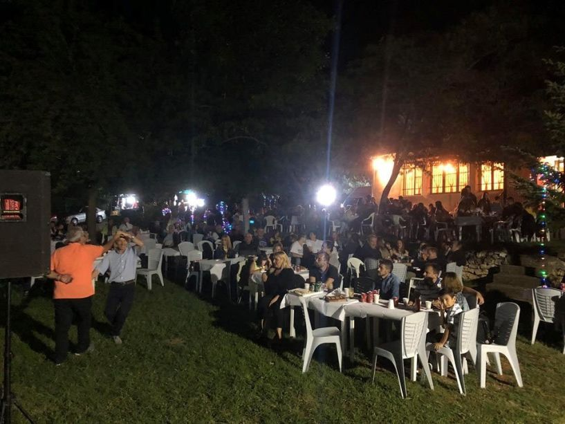 Μια ωραία λαϊκή βραδιά στην Κουμαριά από την «Ντόλιανη»