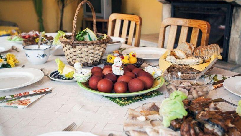 «Υπό περιορισμό» και το πασχαλινό τραπέζι!