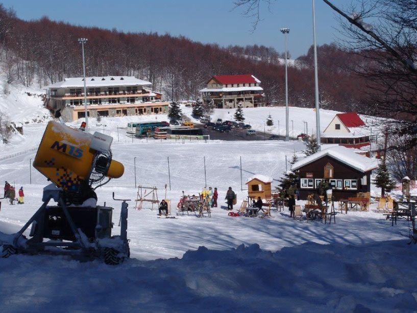 Υπογράφηκε η σύμβαση για την λειτουργία του χιονοδρομικού κέντρου στα 3-5 Πηγάδια