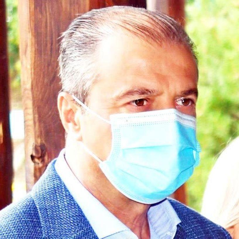 Θετικός στον ιό, ο διοικητής του νοσοκομείου Ημαθίας Ηλίας Πλιόγκας, αλλά αποφασισμένος  να τον νικήσει