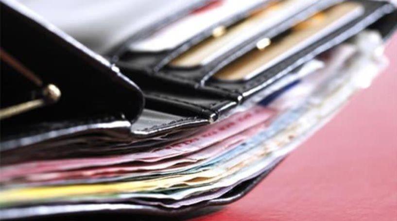 Παράδειγμα προς μίμηση δύο 16χρονα παιδιά - Βρήκαν πορτοφόλι με χρήματα και κάρτες και το παρέδωσαν  στην Αστυνομία