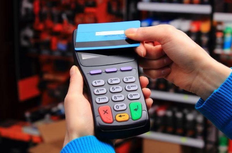 Ηλεκτρονικές αποδείξεις: 30% ήταν... και πάει! Tι αλλάζει και επίσημα στις e-δαπάνες