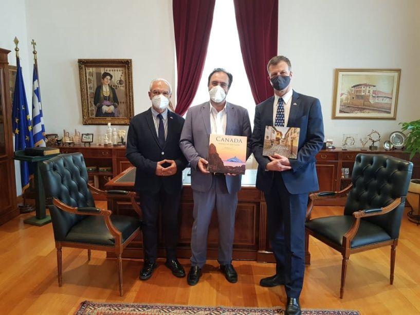 Εθιμοτυπική επίσκεψη του Πρέσβη του Καναδά στον Δήμαρχο Βέροιας