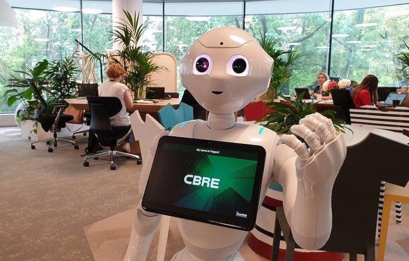 Το πρώτο ανθρωποειδές ρομπότ που εργάζεται σε εταιρεία ακινήτων