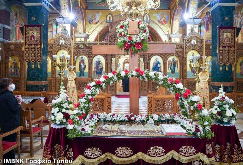 Βεροία: Με ιδιαίτερη κατάνυξη η περιφορά του Επιταφίου στον Ιερό Ναό Αγίου Αντωνίου - Δείτε τις φωτογραφίες