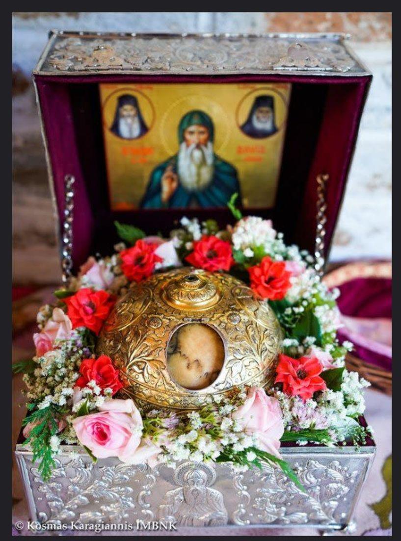 Σε προσκύνηση τέθηκε η τιμία κάρα του Οσίου Δαβίδ από την Εύβοια στα Ριζώματα (εικόνες)