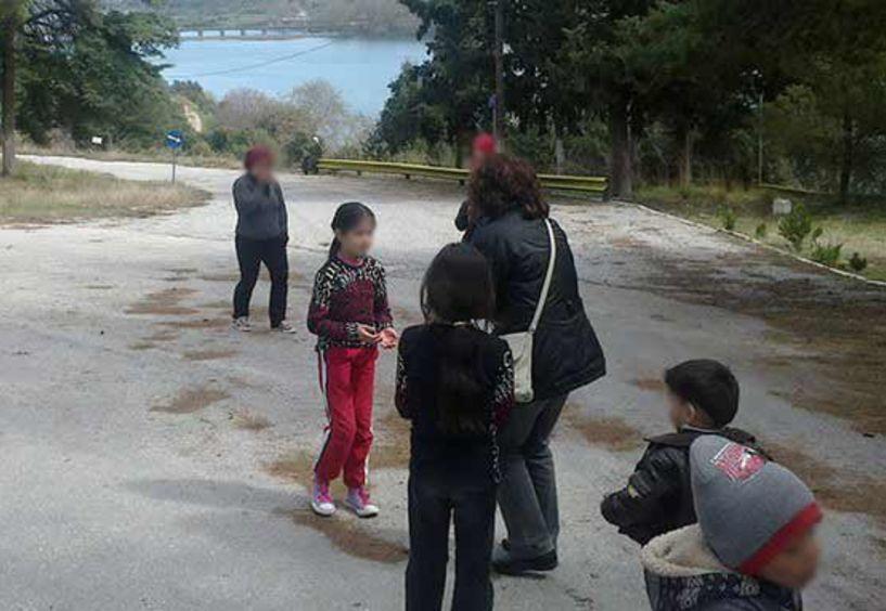Η ΕΛΜΕ επισκέφτηκε τους πρόσφυγες στην Αγία Βαρβάρα