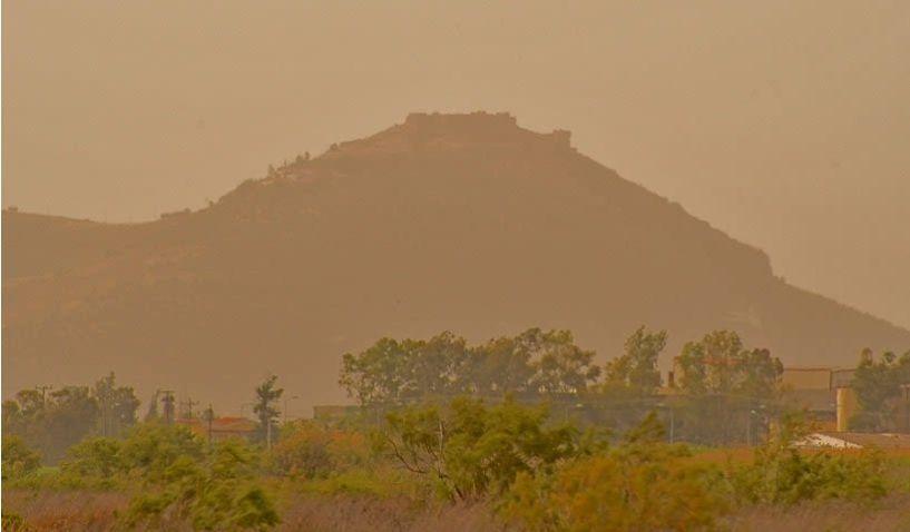 Ζέστη και αφρικανική σκόνη την Κυριακή