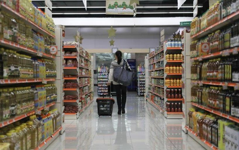 Νέο ωράριο λειτουργίας στα σούπερ μάρκετ και αλλαγή στις αποστάσεις