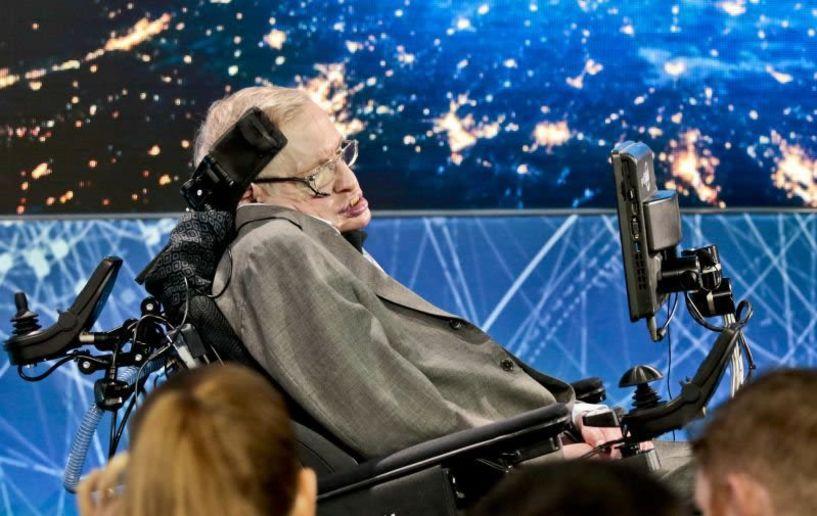 Πουλήθηκε σε δημοπρασία το αναπηρικό αμαξίδιο του Στίβεν Χόκινγκ