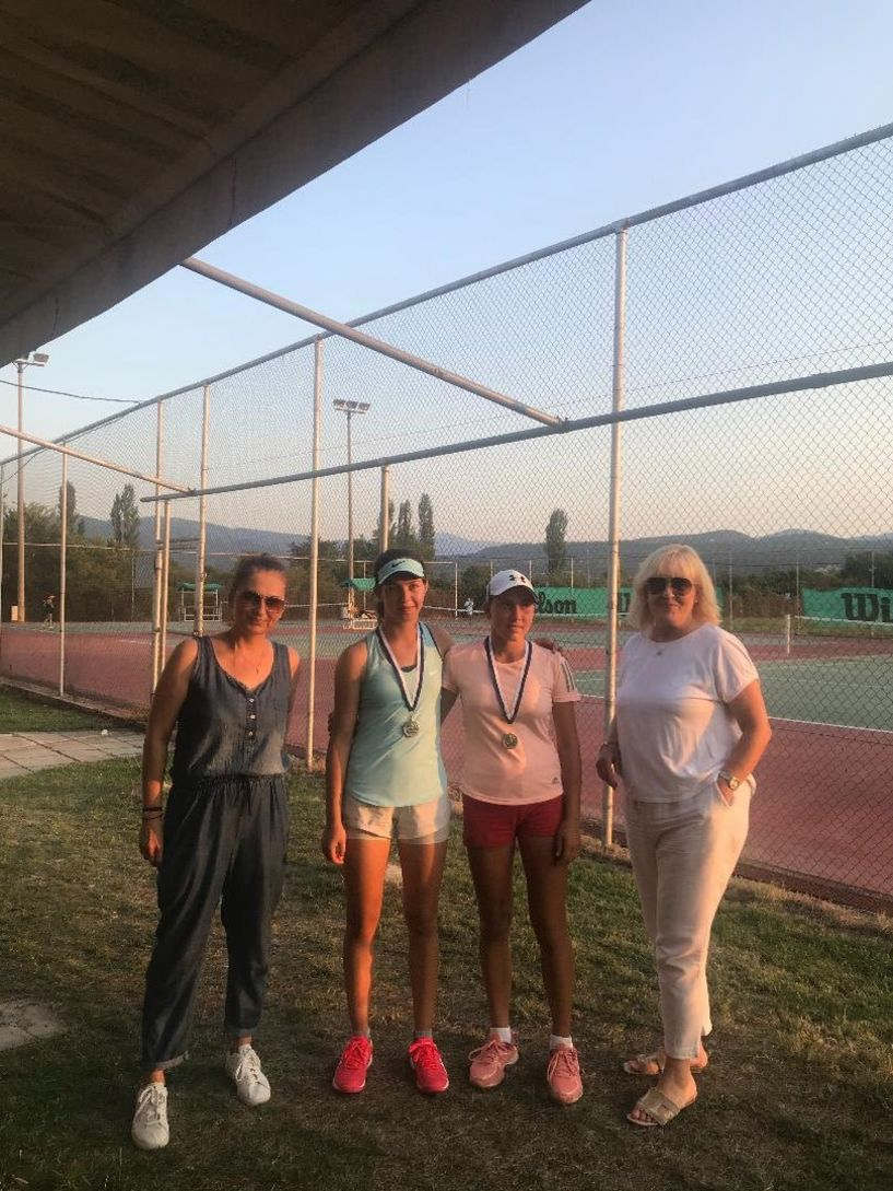 Τα τελικά αποτελέσματα του Πανελλαδικού Πρωταθλήματος τένις Ε2 ,για Αγόρια και Κορίτσια κάτω των 16 ετών