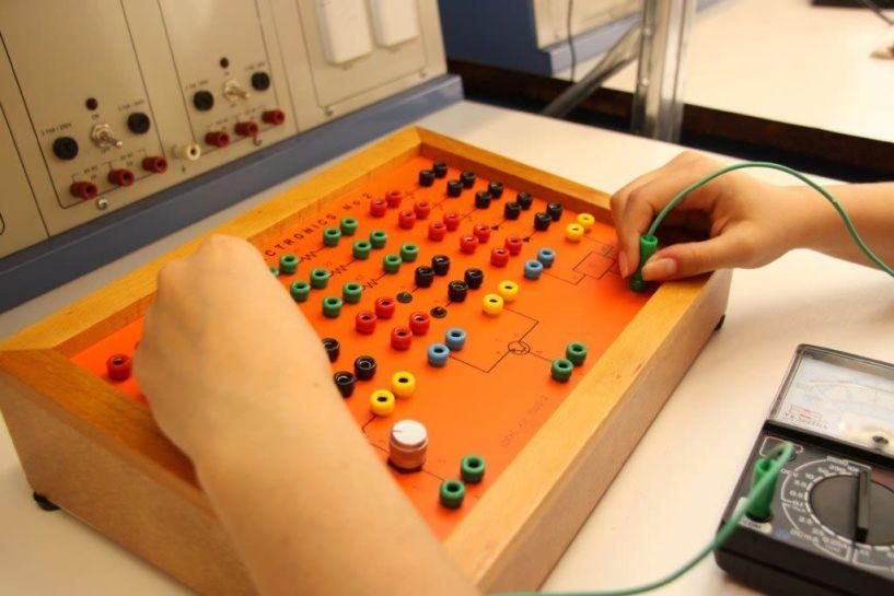Ζητείται Μηχανικός - Ηλεκτρονικός με γνώσεις Η/Υ, Αγγλικης γλώσσας για πλήρη απασχόληση