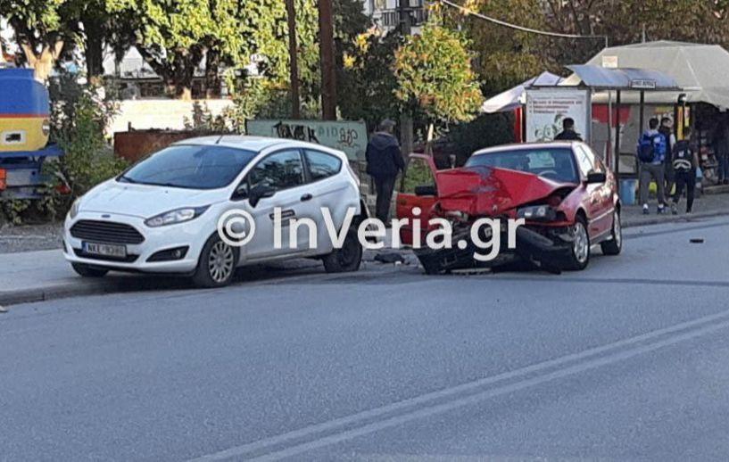 Βέροια - Αυτοκίνητο παραλίγο να παρασύρει δύο μαθητές!