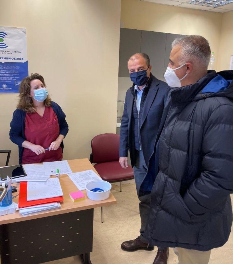 Επίσκεψη Τσαβδαρίδη στα Εμβολιαστικά Κέντρα του Νοσοκομείου της Βέροιας - Με ταχείς ρυθμούς συνεχίζεται ο εμβολιασμός των Ημαθιωτών