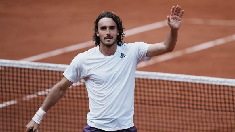 Στέφανος Τσιτσιπάς: Σαρωτική νίκη για τους «8» του Roland Garros