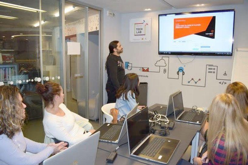 Δωρεάν Μαθήματα στις νέες τεχνολογίες για ενήλικες στο Veria Tech Lab της Δημόσιας Κεντρικής Βιβλιοθήκης της Βέροιας