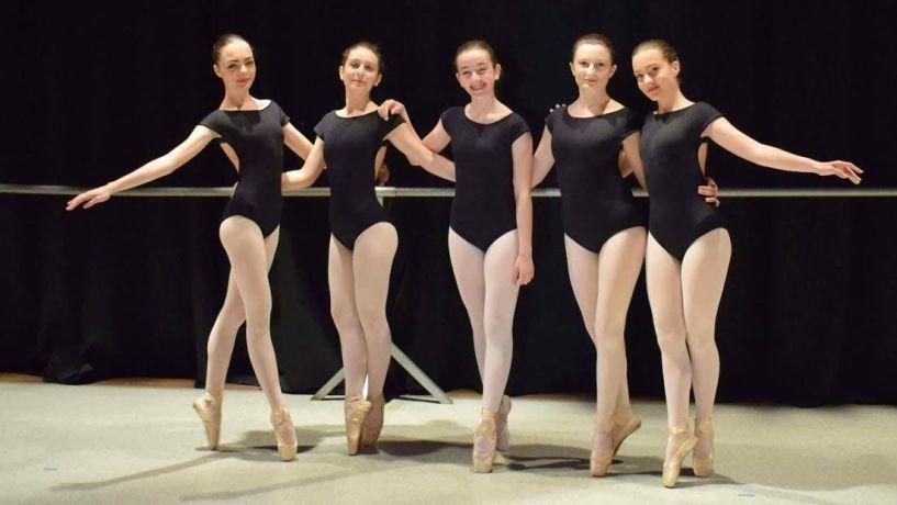 Το τμήμα μπαλέτου της Εστίας Μουσών σε διαγωνισμό χορού