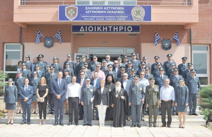 Ξίφη σε 32 νέους υπαστυνόμους β' επέδωσε   η Υφ. Εσωτερικών Μαρία Κόλλια - Τσαρουχά