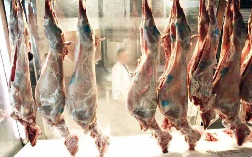 Ακριβότερα φέτος τα αμνοερίφια λόγω έλλειψης, αλλά «ξεπούλησαν» στα κρεοπωλεία της Βέροιας