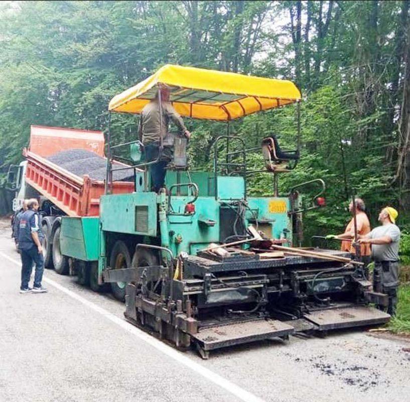 Μπήκαν τα μηχανήματα από την Π.Ε. Ημαθίας στον δρόμο Νάουσας-Σελίου