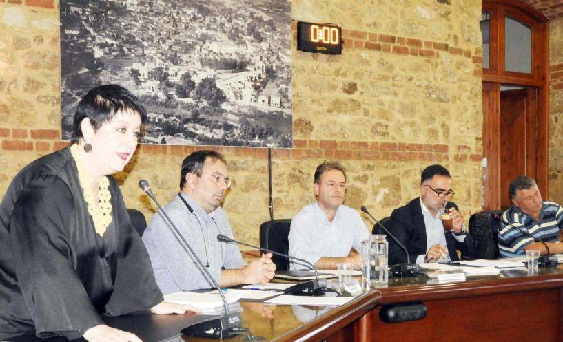 «Θορυβώδης» προ ημερησίας και διαδικαστική  στην ημερήσια διάταξη η πρώτη συνεδρίαση  του νέου Δημοτικού Συμβουλίου Βέροιας