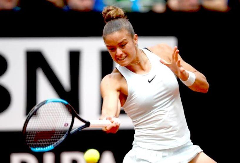 Τρομερή Σάκκαρη! Νίκη καριέρας κόντρα στο No 5 του κόσμου Καρολίνα Πλίσκοβα
