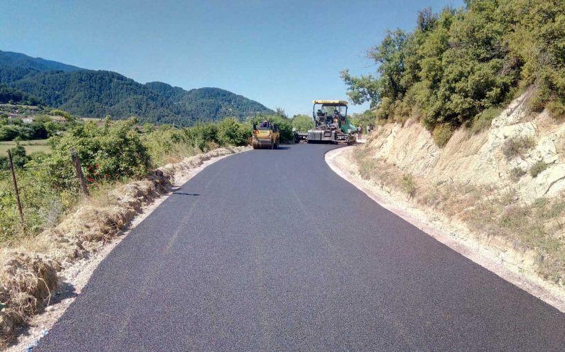 Συνεχίζονται οι ασφαλτοστρώσεις σε δημοτικά διαμερίσματα του Δήμου Βέροιας
