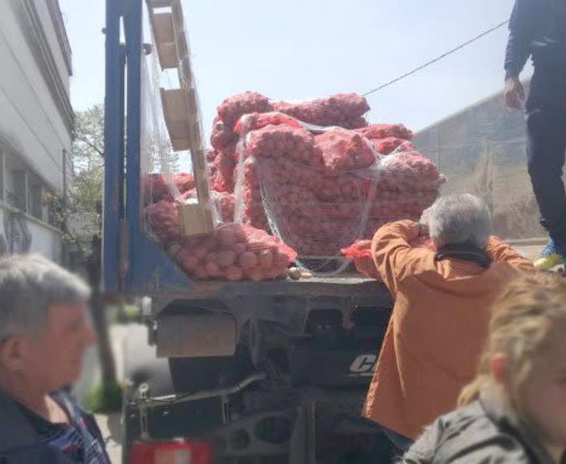 Διανομή 30 κιλων τσουβαλιών πατάτας σε 250 δικαιούχους του Δικτύου Κοινωνικών Δομών του   Δήμου Νάουσας