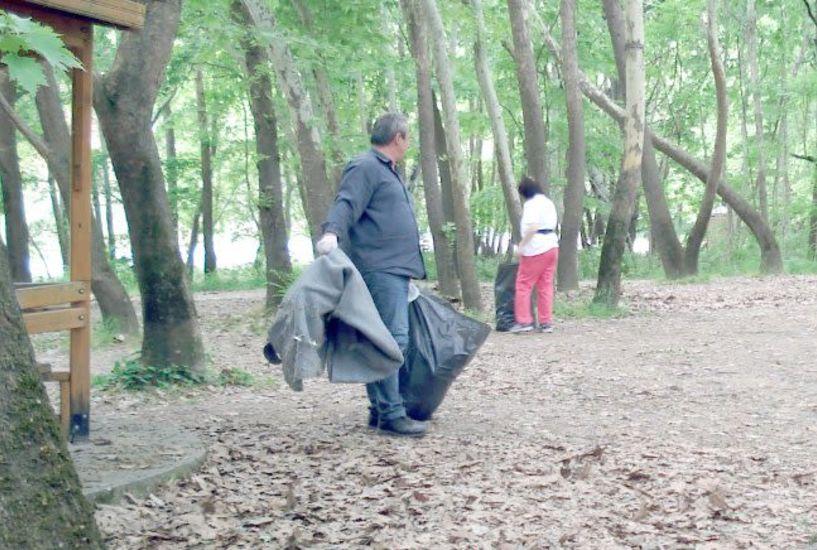 Εθελοντές με την στήριξη του Δήμου Βέροιας καθάρισαν παραποτάμια περιοχή του Αλιάκμονα