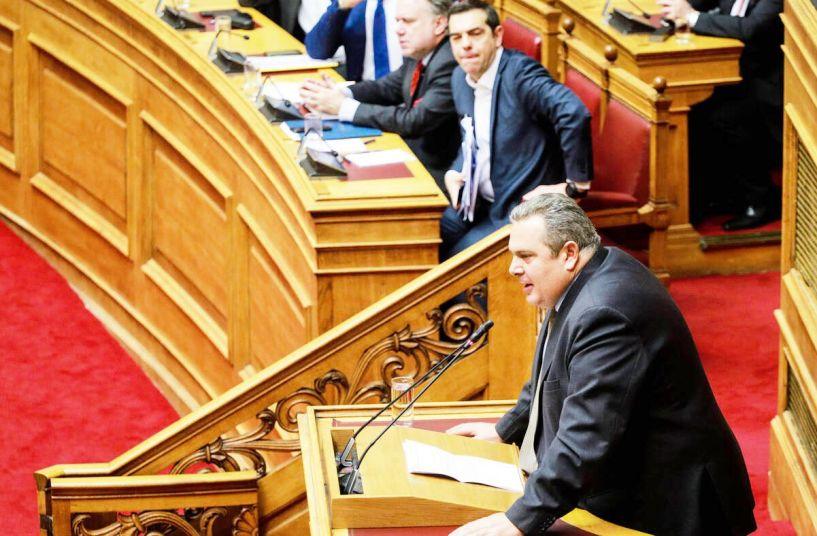 Στα μαχαίρια χθες στη Βουλή Τσίπρας-Καμμένος