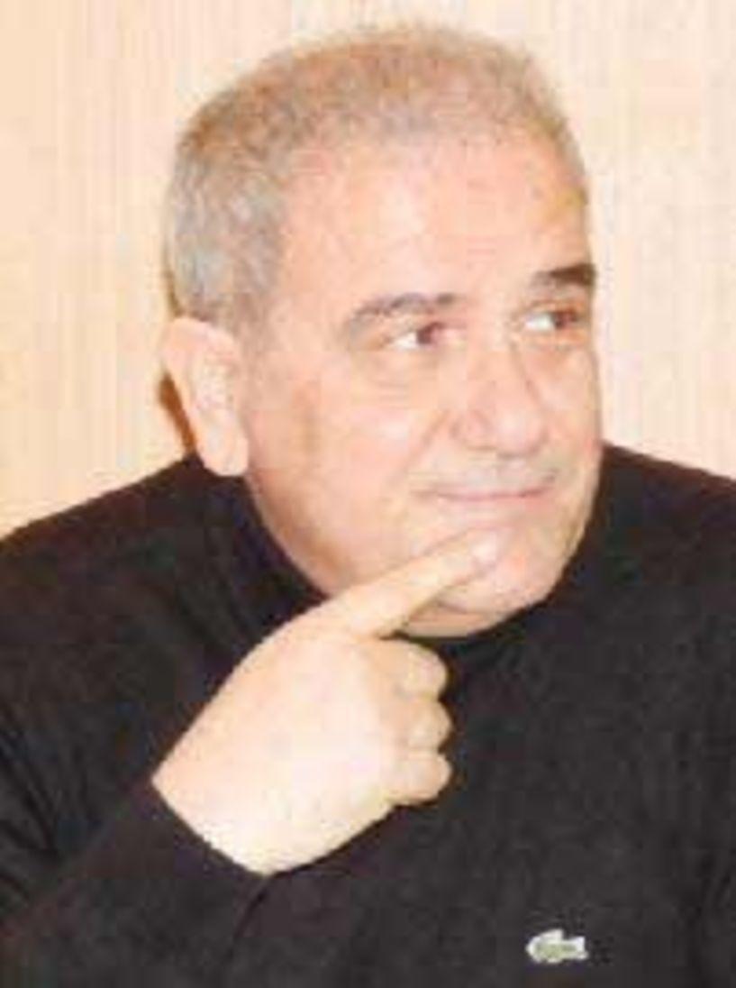 Ασλάνογλου για Θεοχαρόπουλο: «Εκείνος ο τύπος που έκοψε πέρυσι την πίτα του ΚΙΝΑΛ, μας χαιρετάει από… απέναντι» Φ. Γεννηματά στη Βέροια (;) …και άλλα παραπολιτικά!