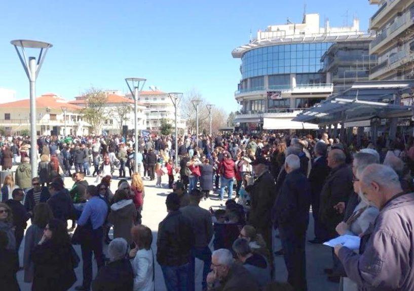 Μαζικές συγκεντρώσεις  συμπαράστασης για τους  δύο Έλληνες στρατιωτικούς  σε Ορεστιάδα και Φέρες