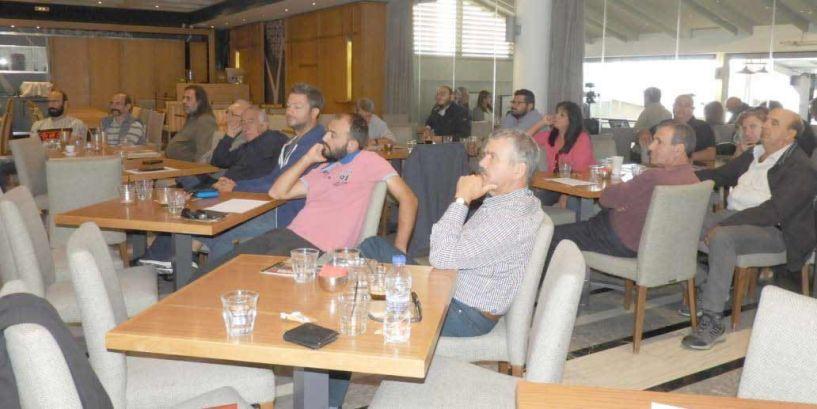 25 Κύπριοι αγρότες   ανταλλάσουν εμπειρίες   με αγρότες της Ημαθίας
