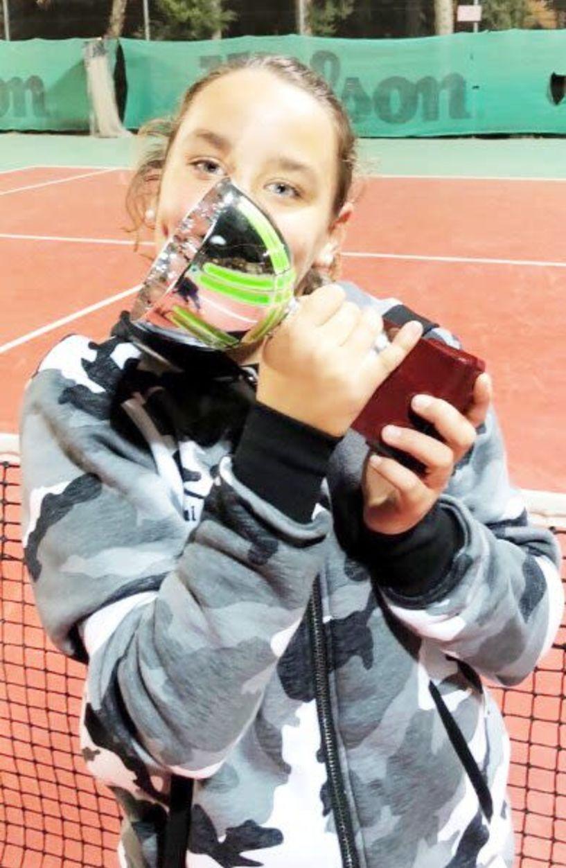 Τέννις - Μεγάλη επιτυχία για την Τατιάνα-Έλενα Γιτοπούλου που κατέκτησε την πρώτη θέση στο διπλό κοριτσιών