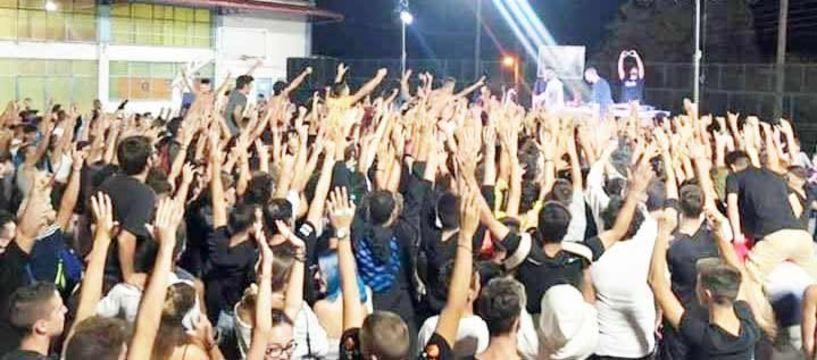 Με τα χέρια ψηλά η νεολαία της Βέροιας  στη συναυλία του 12ου Πίθηκου