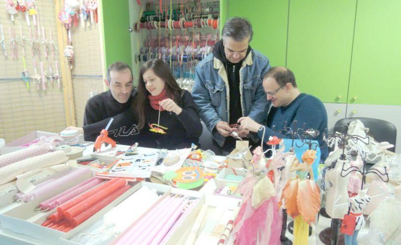 Το Υφάδι ετοιμάζει  πασχαλινές λαμπάδες