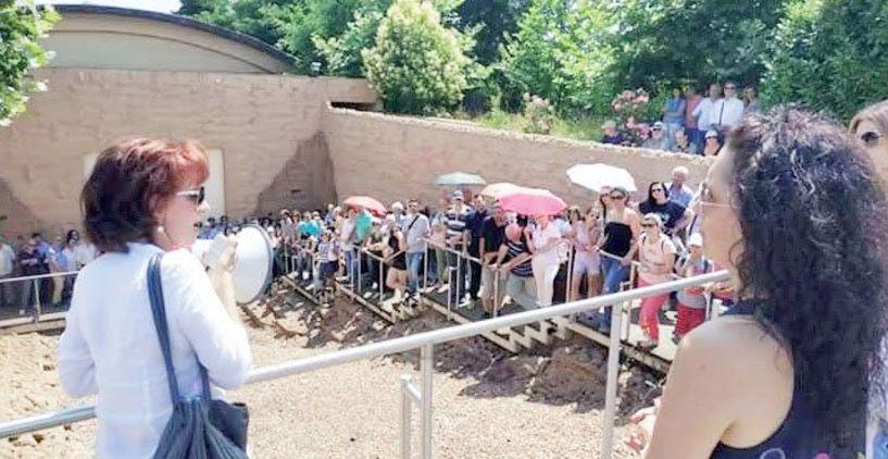 Με ζέστη αλλά μεγάλη συμμετοχή η ξενάγηση  στην Αρχαία Μίεζα από την Αγγελική Κοτταρίδη