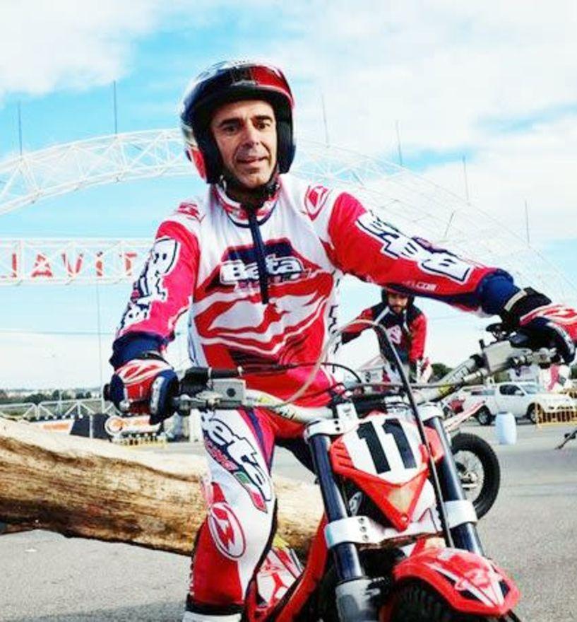Ο γνωστός αναβάτης (μοτοκρός) Λευτέρης Καρέτσος στους αγώνες  της Βέροιας