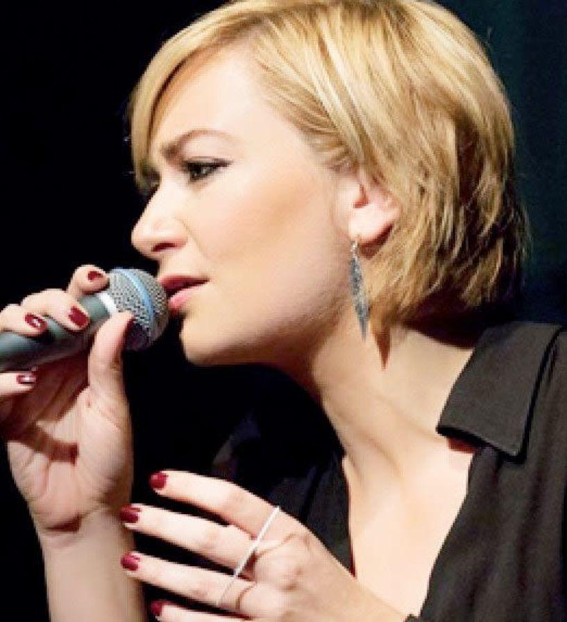 Η Ρίτα Αντωνοπούλου τραγουδάει Μάνο Ελευθερίου αύριο στη «Στέγη»