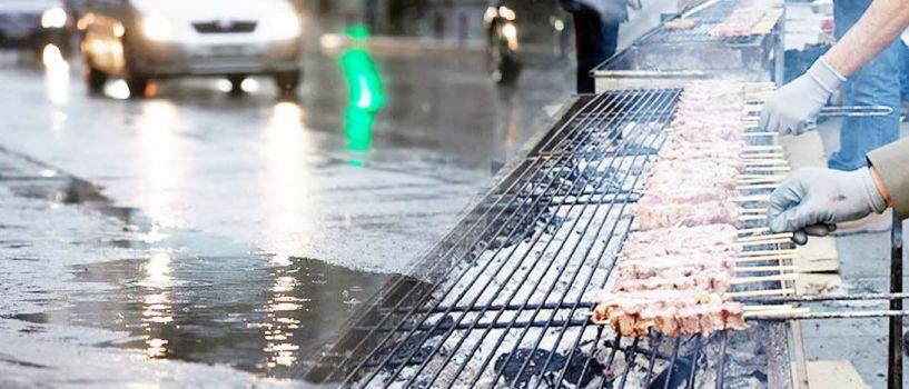 Τσίκνισμα, με βροχή!